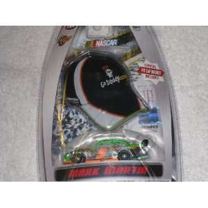 Winners Circle Mark Martin Car & Go Daddy Pit Cap Magnet: Toys & Games