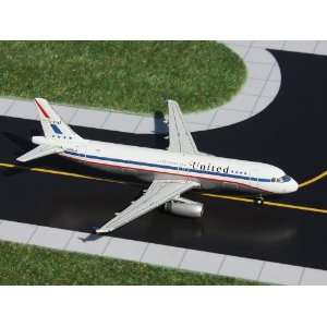Gemini Jets United A320 200 Model Airplane Toys & Games