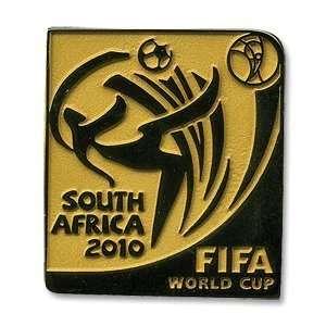 2010 World Cup Logo Pin Badge   Gold