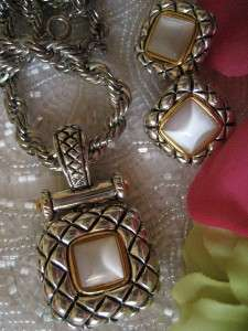 PREMIER DESIGNS~WHITE STONE ALABASTER NECKLACE/EARRINGS