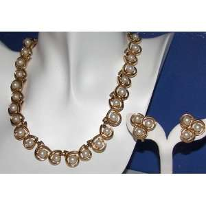 Swirling Pearls Gold plated Vintage Necklace Set