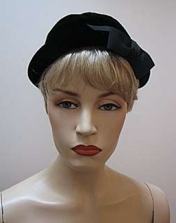 VINTAGE LADIES 1930s 40s BLACK VELVET Betmar HAT #1268