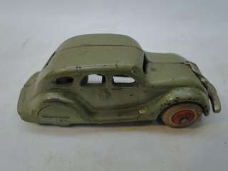 IRON TOY CAR 1930s SEDAN ARCADE 146 OLD NICKEL PLATED GRILL
