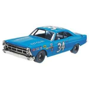 1967 Ford Fairlane Wendell Scott Blue #34 Slot Car (Slot Cars