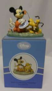 ENESCO Mickey & Friend Mickey Mouse Gardening 4004039
