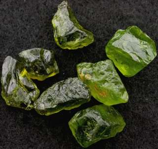 28.4 GRAMS LARGE SAN CARLOS ARIZONA OLIVE APPLE GREEN GEMSTONE GEM