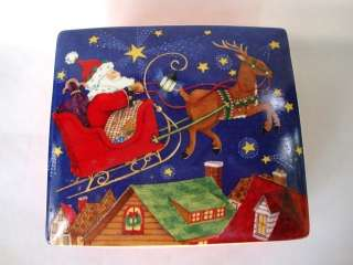 Nice Hallmark Christmas Santa Claus Pottery Box