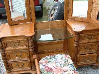 Tiger Oak Vanity Dresser Make up Table Dresser Glass Shelves & Mirror