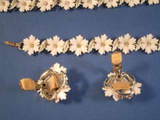 Vintage Coro Parure Gold Tone With White Flowers Choker, Bracelet and