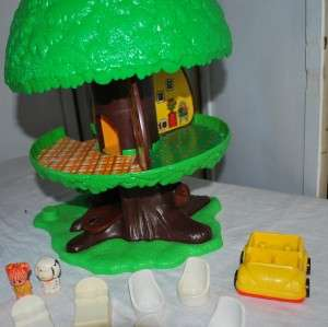 TREE TOTS TREE HOUSE w/ Furniture LITTLE PEOPLE ACC & Dog house