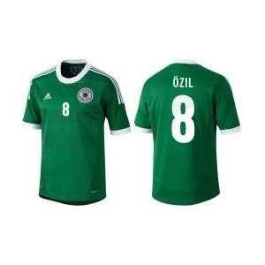 Adidas DFB Deutschland Auswärts Trikot Özil Nr.8 Kinder EM2012 Farbe