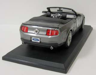 Mustang GT Diecast Model Car   Maisto   118 Scale   Gray   New in box