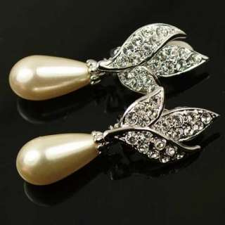 White GP Swarovski Crystal Pearl Earring Clip on J575