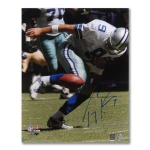 Autographed Tony Romo Picture   FUMBLING BALL/VERT16x20 G